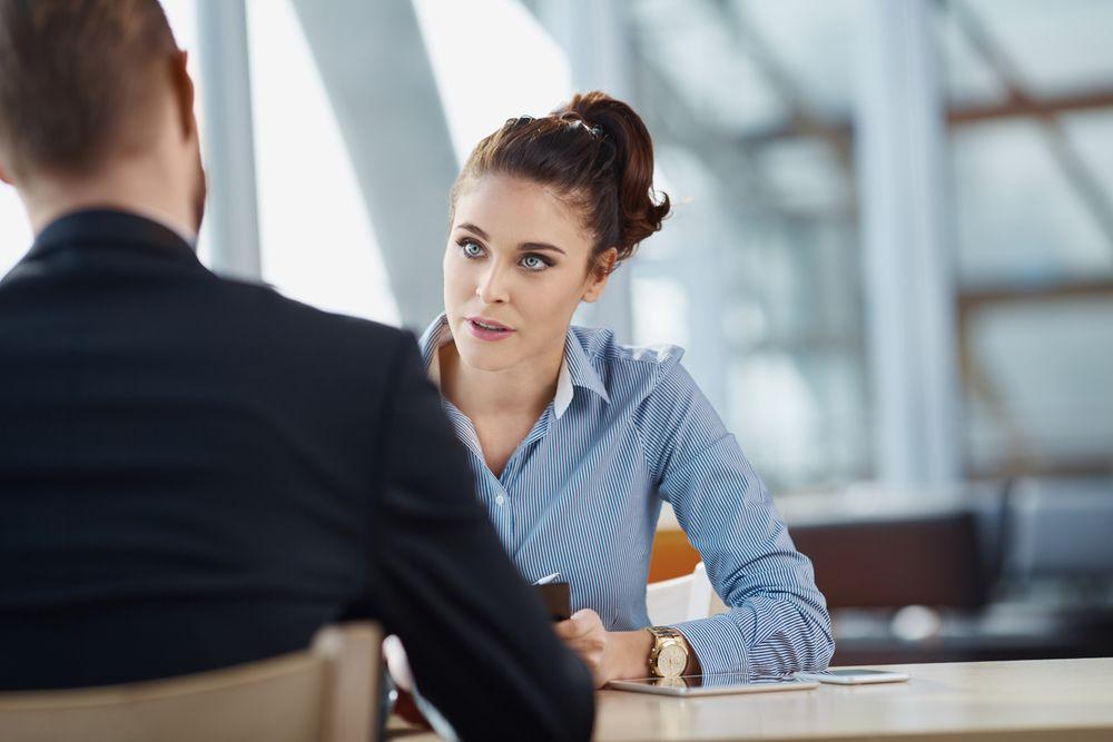 Como-reaccionar-a-las-preguntas-inusuales-en-una-entrevista-de-trabajo