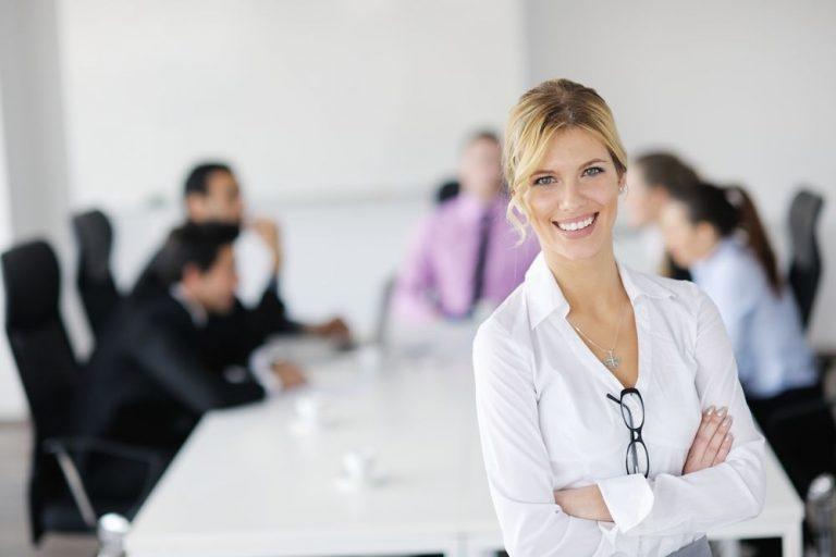 8-Tips-para-aumentar-la-confianza-en-el-trabajo